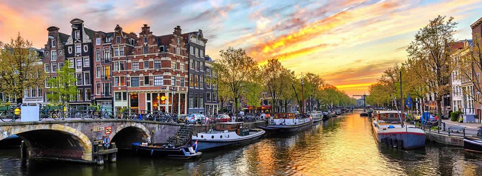 Casa Amsterdam hotel shuttles