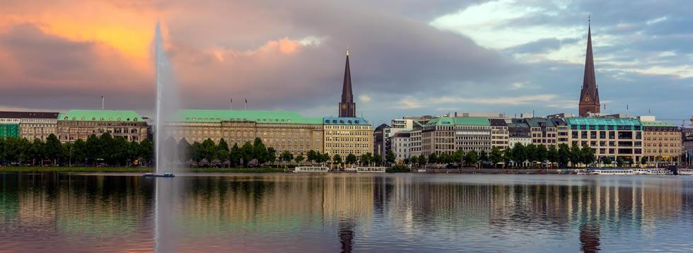 Junges Hamburg hotel shuttles