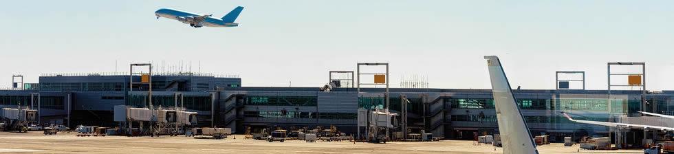 New York LGA shuttles in terminals
