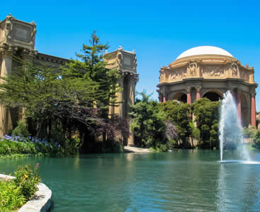 Visit the Palace of Fine Arts