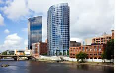 Grand Rapids shuttle to the airport
