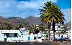 Lanzarote shuttle to the airport