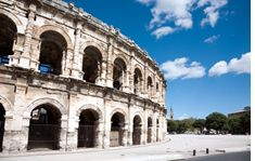 Nimes shuttle to the airport